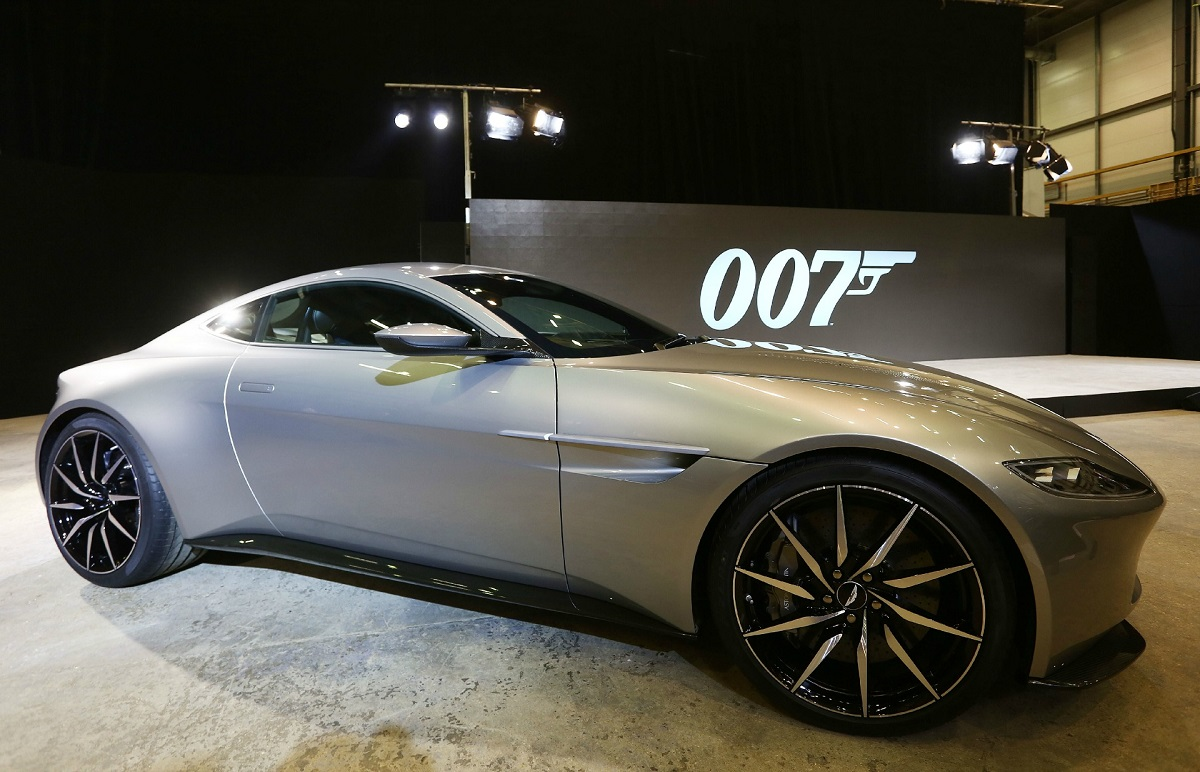 meet the new james bond spy car aston martin db10 from movie spectre super cars corner. Black Bedroom Furniture Sets. Home Design Ideas