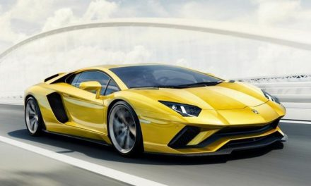 The New 2017 Lamborghini Aventador S Is Now with 730HP and Four Wheel Steering