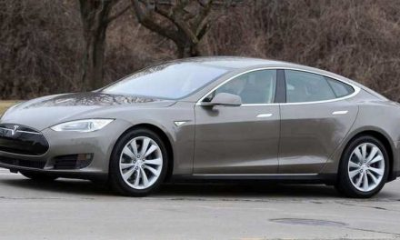 Tesla Driver Found Himself Locked out of the Car after Smartphone App Failure