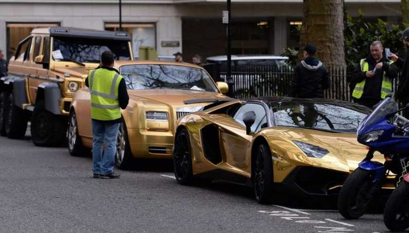 The Gold Supercars Parked in Knightsbridge Got Parking Tickets