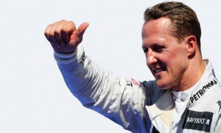 Money-grubbing Photographer Tries to Sell a Photo of Schumacher in Hospital Bed for $1.4 Million