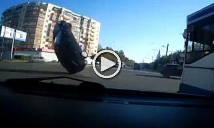 Only in Russia…Awesome RUSSIAN DRIVING CAMERAS