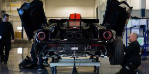 2017 Ford GT-reart view-2