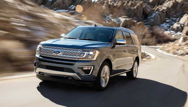 2018 Ford Expedition on the road-photo07