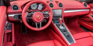 Porsche 718 Boxster Convertible 2.5 S interior-photo 07