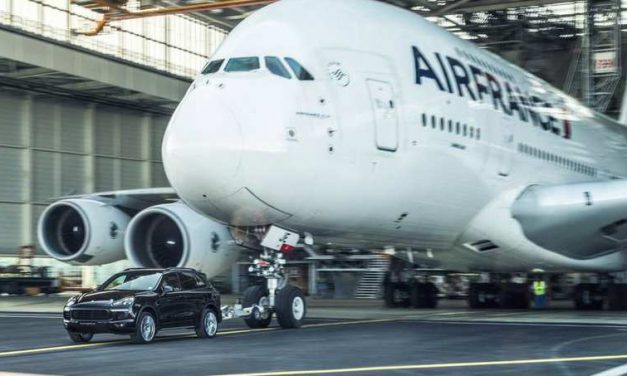 Porsche Cayenne Sets Guinness World Record In an Attempt to Pull Airbus A380