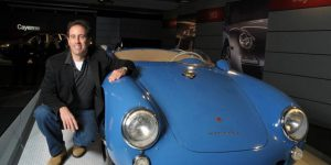 jerry seinfeld with his porsche