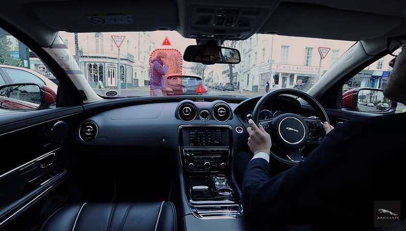 Jaguar New Virtual Windscreen Concept-02